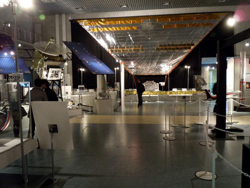 宇宙ヨット「IKAROS」のセイル(帆)の実物