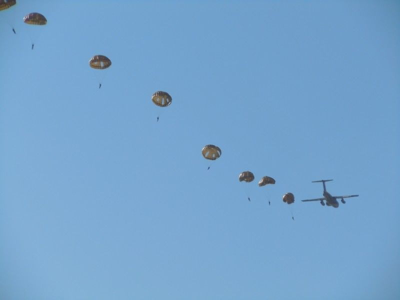 陸上自衛隊・習志野駐屯地(千葉県)からやってきた第1空挺団