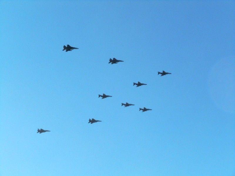 新田原基地所属機(F-15×6・F-4EJ×5・T-4×3)による異機種編隊飛行