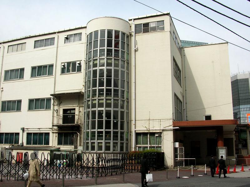 1936(昭和11)年には鉄道省が建てた鉄道博物館(のちの交通博物館)