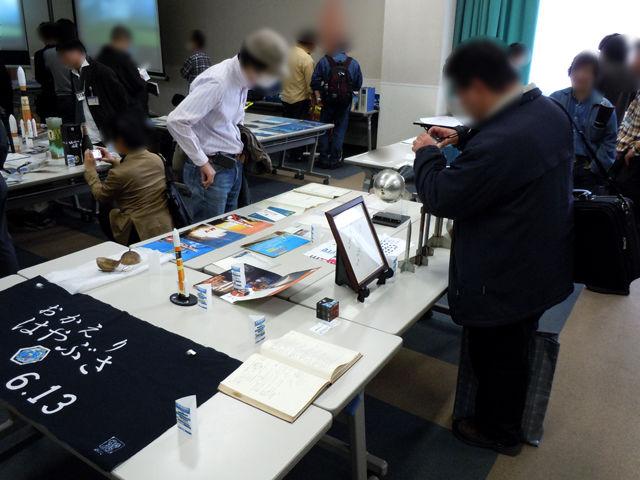 日本ロケットの父・糸川秀夫さんのサイン色紙、日本初のロケット、ペンシルシリーズの実物