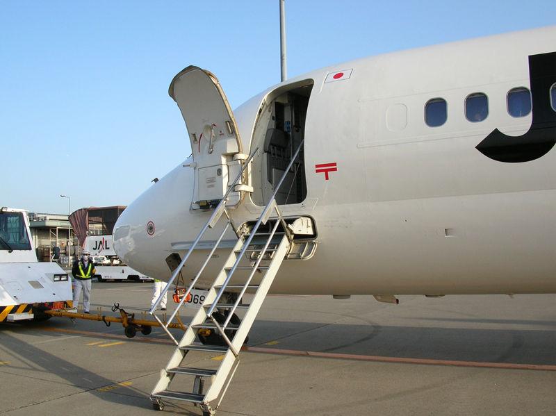 MD90型(JA8069)のエアステア