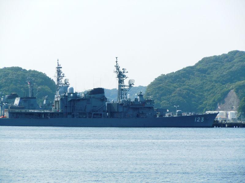 しまゆき型練習艦のしらゆき(TV-3517。写真ははつゆき型護衛艦、DD-123時代のもの)