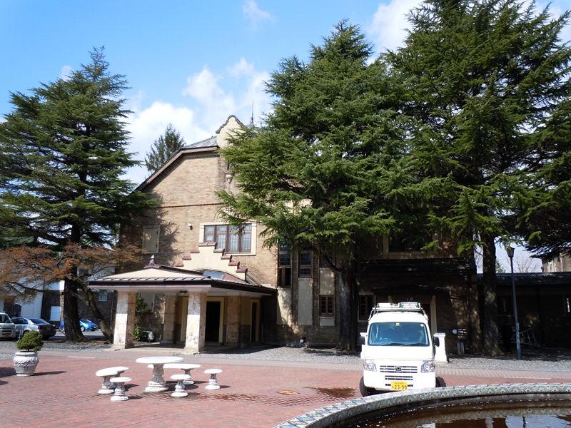 大広間を備えた建物(会館棟)も隣接