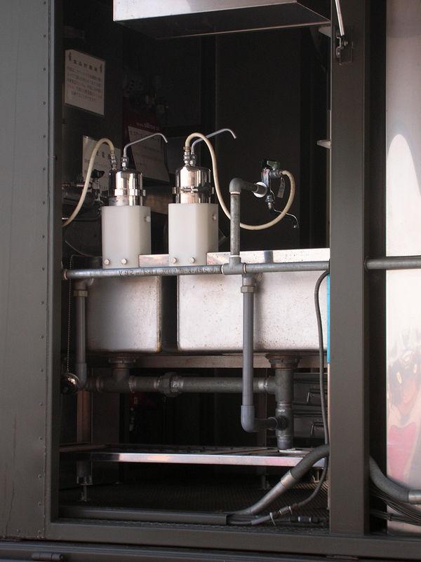 キッチンカーのシンク部分。浄水器も装備。