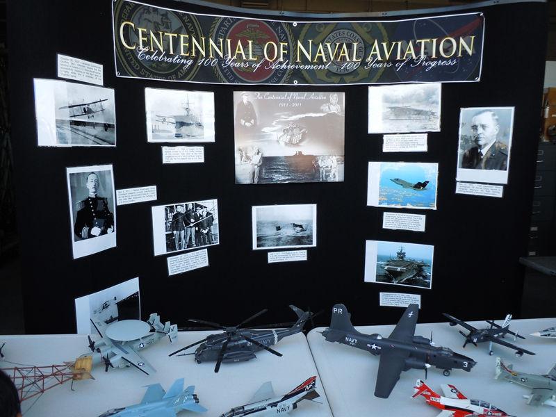 海軍航空100年を紹介するブース