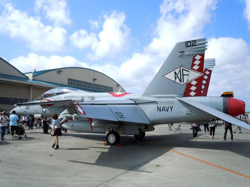 VFA-102「Diamondbacks」CO(飛行隊長)機のF/A-18Fスーパーホーネット