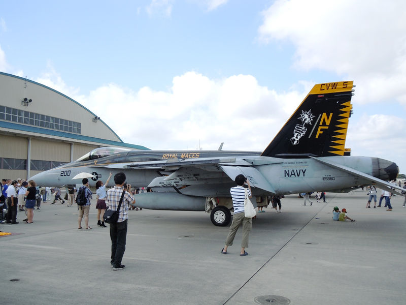 VFA-27「Royal Maces」のCAG機(F/A-18Eスーパーホーネット)