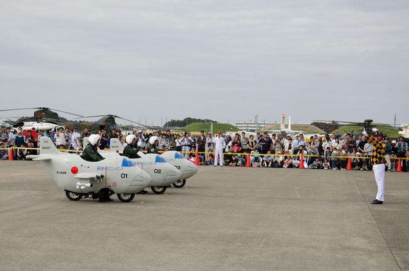 ミニバイクを改造した「ミニP-3C」による展示走行