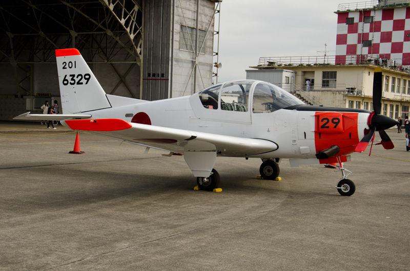 海上自衛隊のパイロットが最初に触れる飛行機、T-5(6329号機)