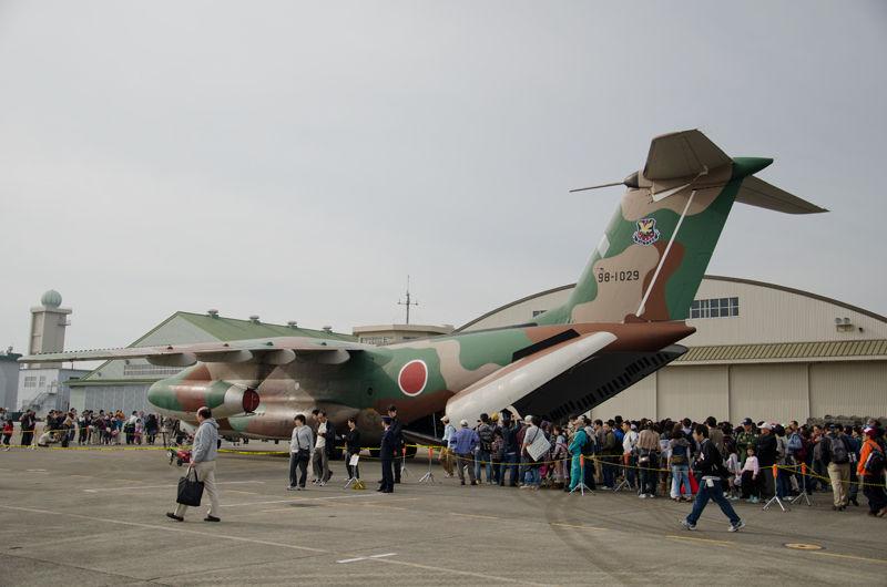 第402飛行隊のC-1(98-1029)