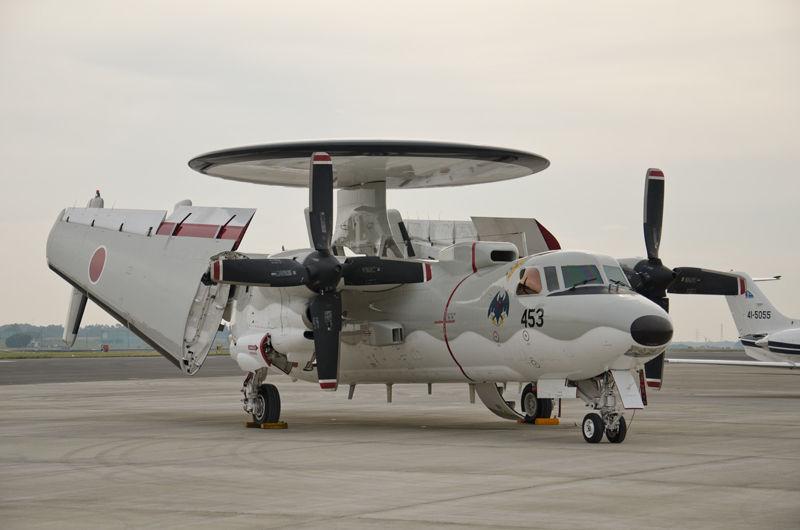 青森県の三沢基地からやってきた飛行警戒監視隊のE-2C(34-3453)