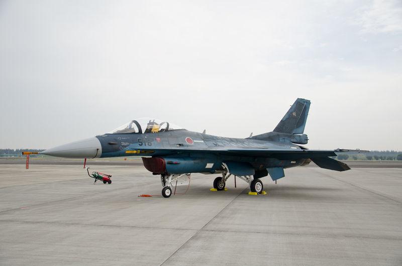 三沢基地・第8飛行隊のF-2A(13-8516)