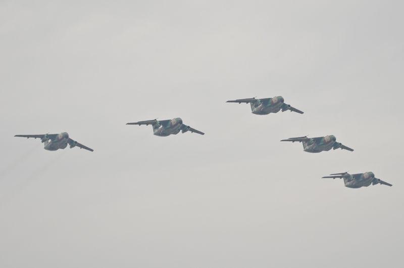 入間基地名物、第2輸送航空隊・第402飛行隊のC-1による飛行展示