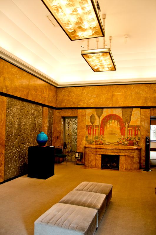 ブランショ、ラリック、ラパンの作品が大食堂を飾る
