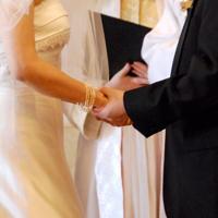 6月3日は「プロポーズの日」、実態調査では全体の75%が「プロポーズは男性からすべき」と回答