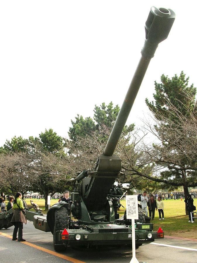 「楽器」としても使用される155mmりゅう弾砲FH70