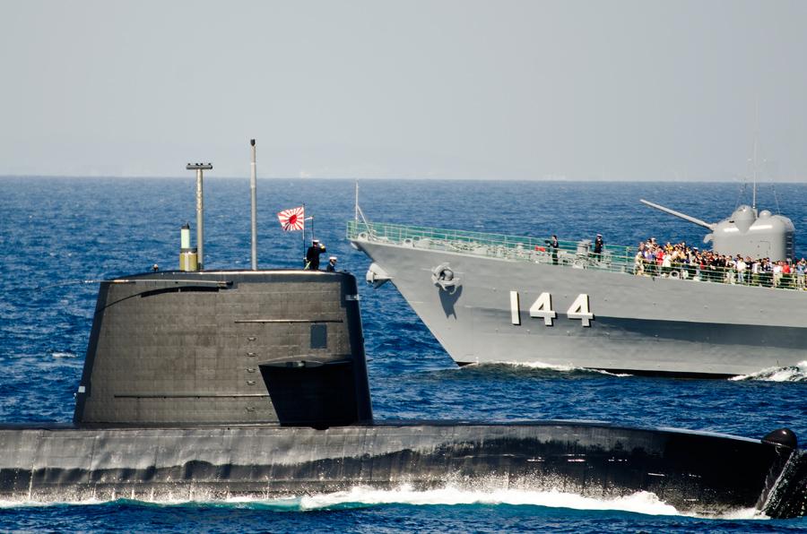 潜水艦いそしお(SS-594)の登舷礼・11日