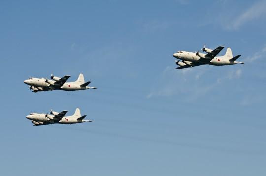 第8群:P-3Cによる3機編隊