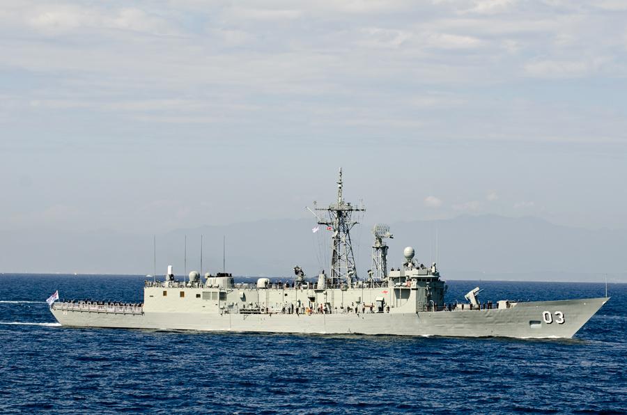 オーストラリア海軍のフリゲート、シドニー(FFG-03)には女性乗組員が多い・11日