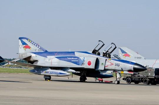302飛行隊のファントム40年記念塗装機