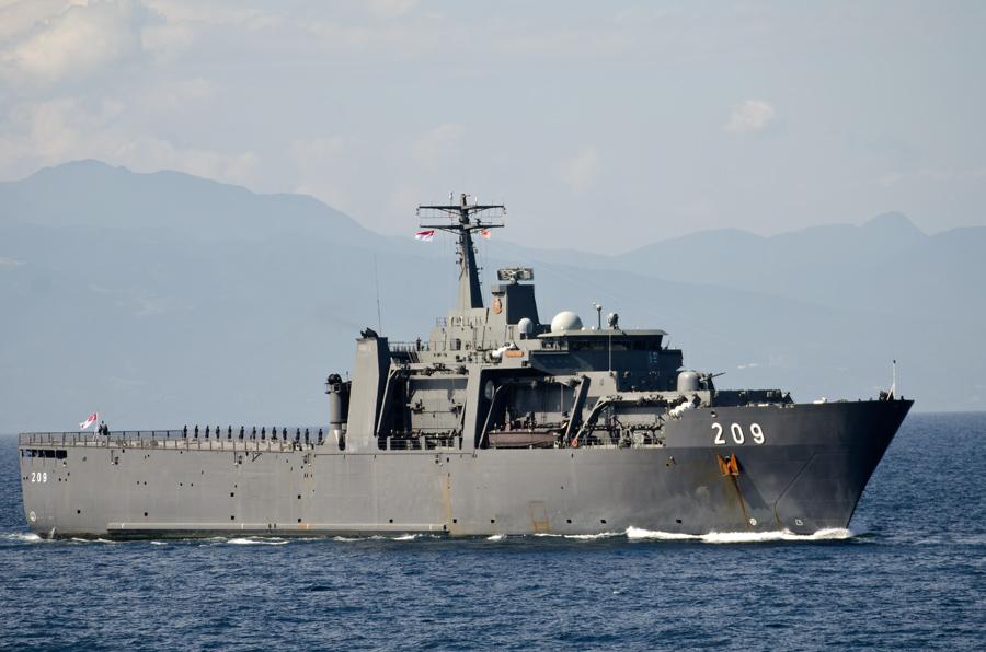 シンガポール海軍の揚陸艦パーシステンス(209)は遠洋航海中での参加・11日