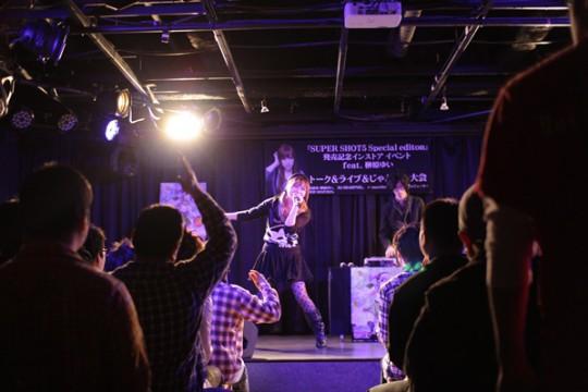 歌ってくださった曲は、「Scarlet (DJ Shimamura Remix)」、「煌めき一閃 (t+pazolite Remix)」の2曲です!