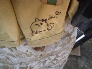 No9.マガジンポーチのサイン