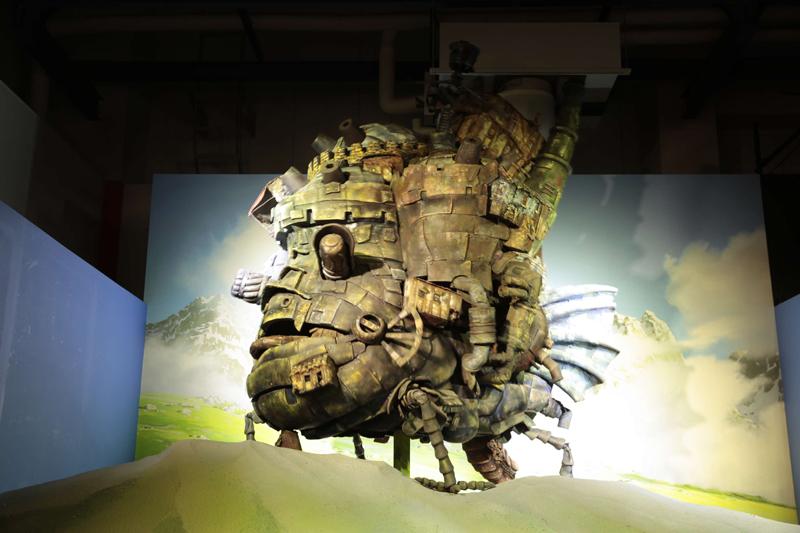 メイン展示「ジブリの空」の「ハウルの動く城」の場面/(c)2004 二馬力・GNDDDT
