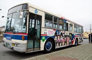 (写真:ガルパン仕様のシャトルバス)
