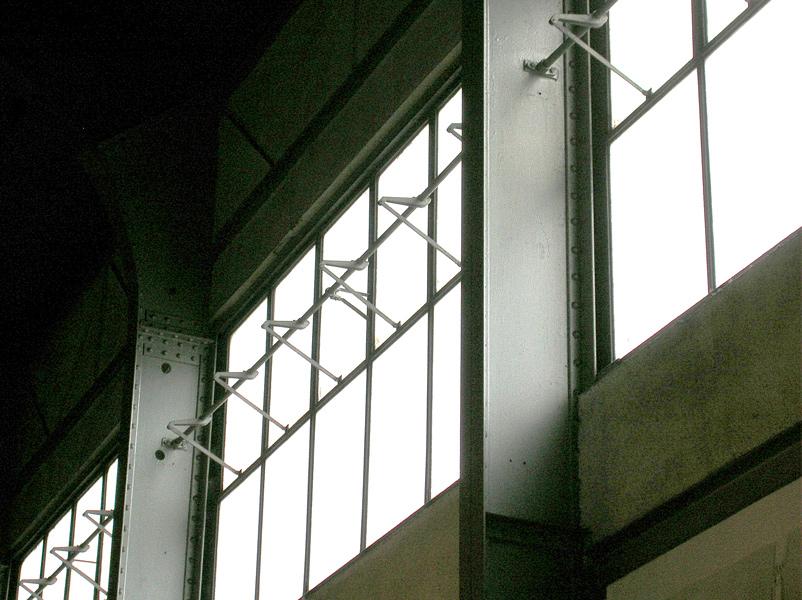 機関車ホールの換気窓
