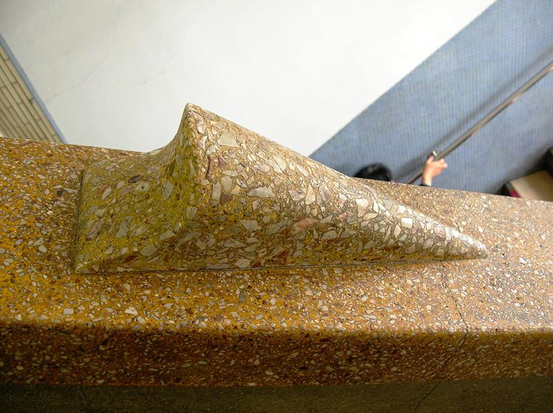 階段手すりは複数のジントギで構成