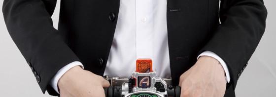 大人用変身ベルト「仮面ライダーW」のアクセルドライバーが商品化