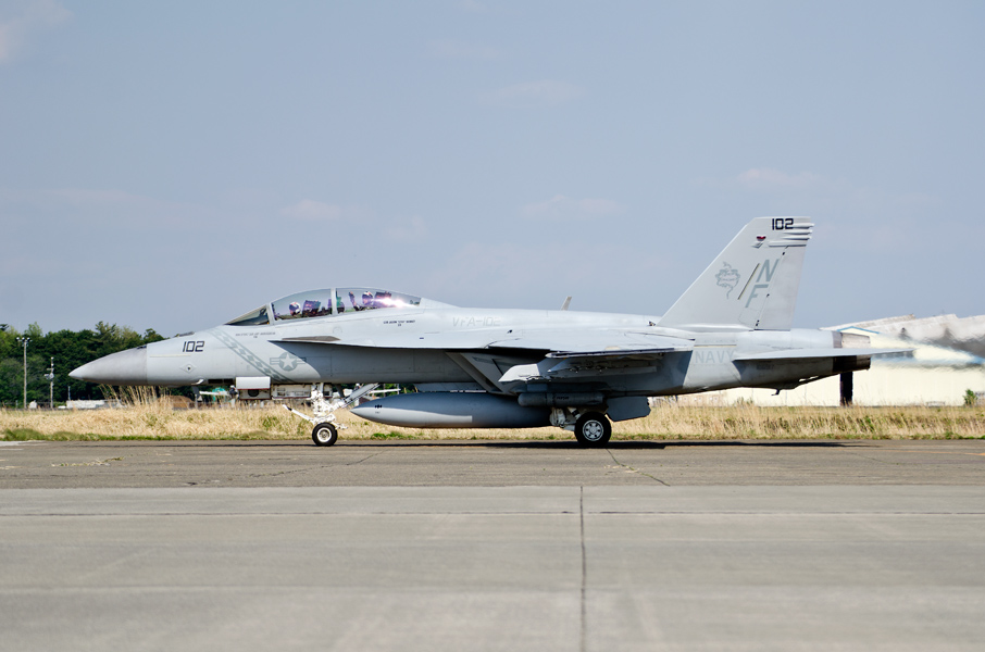 VFA-102のF/A-18F