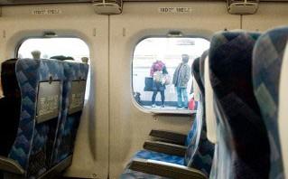 親子が新幹線の旅を快適に過ごすテクニック
