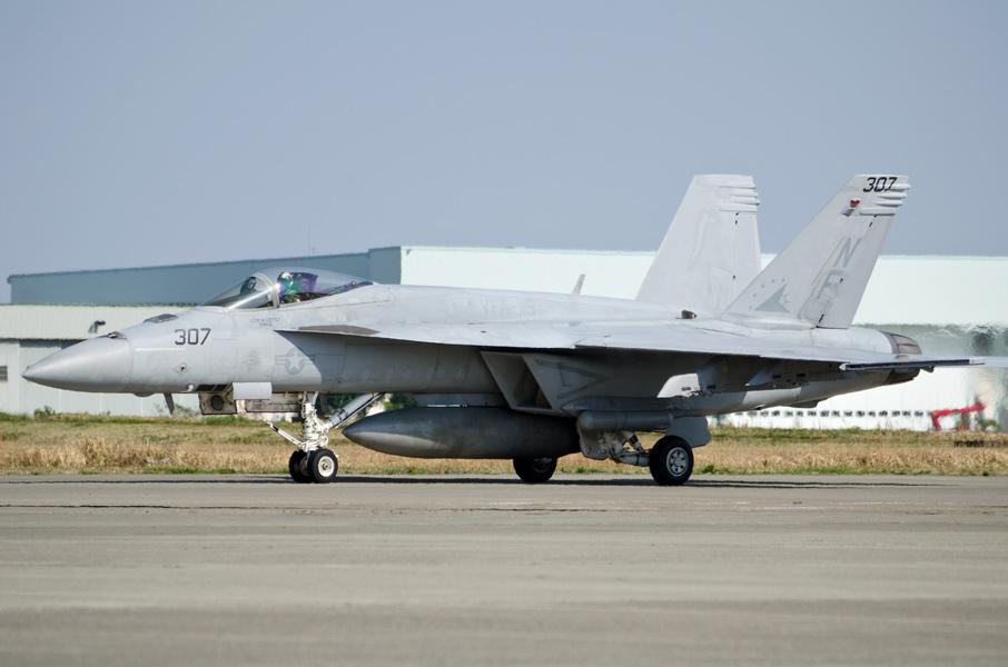 VFA-115のF/A-18E