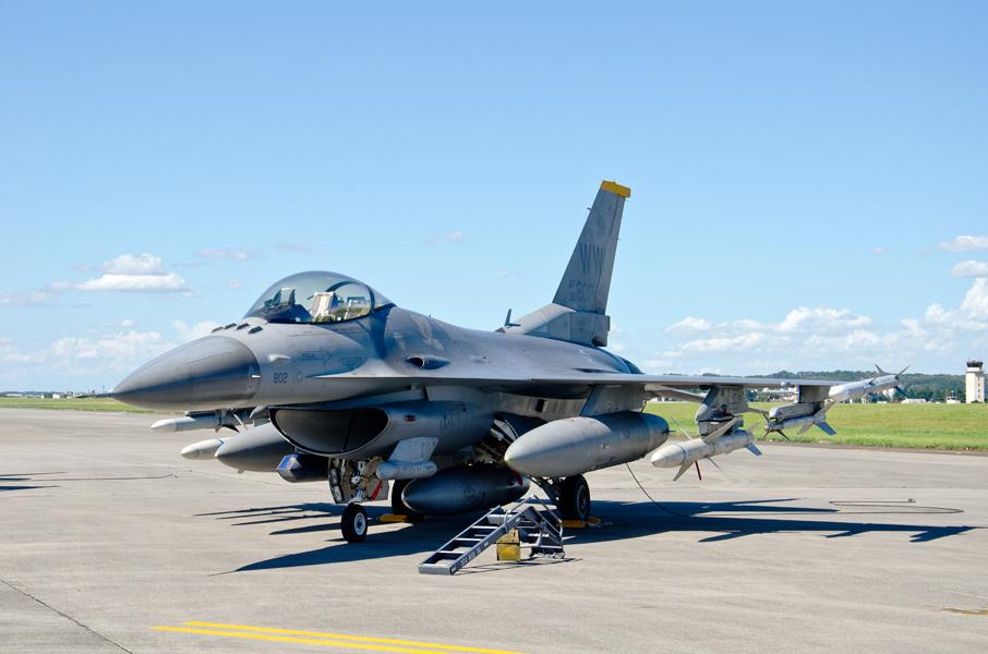 第35戦闘航空団第14戦闘飛行隊のF-16CJ