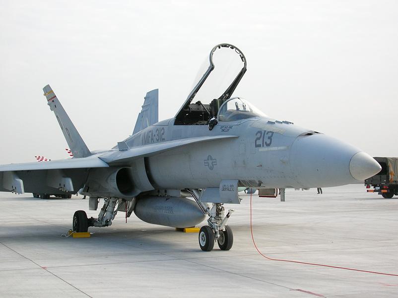 VMFA-312のF/A-18C