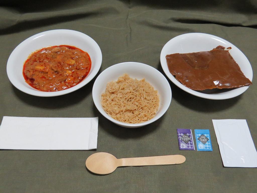 UAE軍レーション昼食