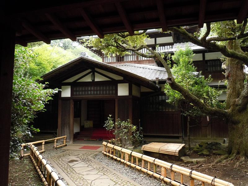 駒場の前田邸和館