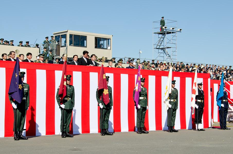 ズラリと並ぶVIP旗