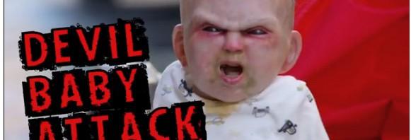 """寒空のニューヨークに""""悪魔憑き赤ちゃん""""突如出現し街中大混乱"""
