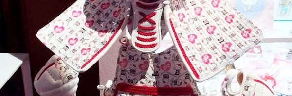 キティちゃん最新コラボは剣道の「防具」!頭上にはトレードマークのリボンも健在