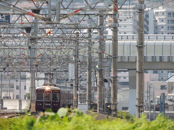 阪急 7018
