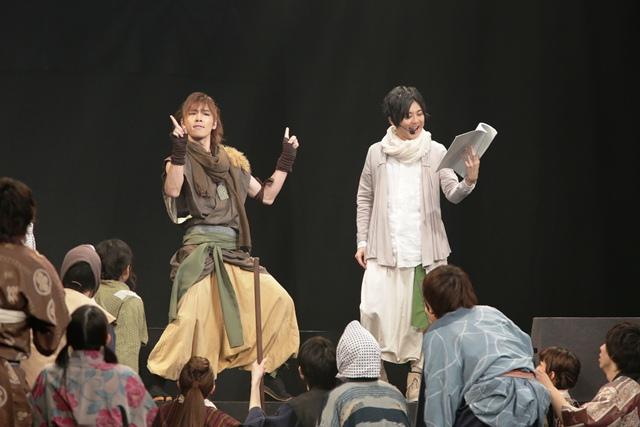 (左から)LiveAct:安達勇人/LiveVoice:梶裕貴