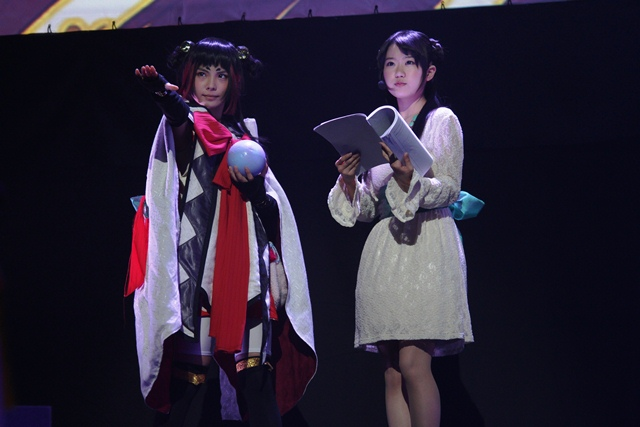 (左から)LiveAct:大野未来/LiveVoice:東山奈央