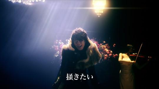 西川貴教さん股間の悩みを切なく熱唱