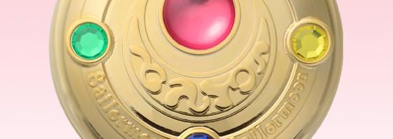 ムーン・プリズムパワー!メイクアップ!セーラームーン初代『変身ブローチ』がミラーケースで登場