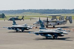 第6飛行隊F-2Aの地上滑走