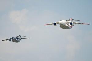 C-1FTBのエスコートでXC-2登場